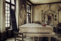 Abandoned Places / Amazing pictures of decay and the allure of forgotten places