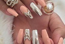 Verjaardags nagels