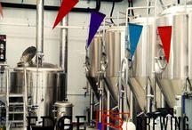 Cervezas Monkey & Edge Brewing. Cerveza artesana / Fábrica de cerveza artesana. Visita de los Monkey a Edge Brewing