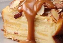 gâteau aux pommes et sauce caramel
