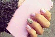 nails / by Quisty Arinnandya