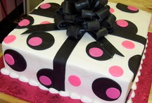 Teenage and young girl party ideas / Assorted tips and ideas for throwing parties for young girls, female tweens and teens.