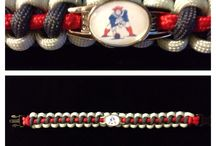 NE Patriots Paracord Bracelet / 12 year old Nate of Nathan's Creations has been selling his paracord creations for almost two years. He uses the highest quality materials and offers a 100% satisfaction guarantee. www.nathansparacreations.com