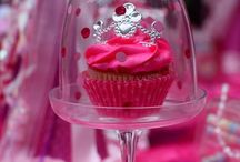 Cupcakes  / by Tracey Monteith