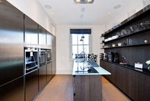 Perfect Kitchens / A collection of the most perfect kitchens on ezylet.com.
