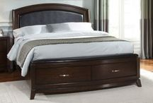 Queen Beds / Queen Beds comes with the complete headboard, footboard, sideboards, and slats.
