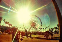 Festival Feeling / Sommer, Sonne, Freiheit! Mit fransigen Utensilien und traumhafter Inspo machen wir euch bereit für die Festival Saison.