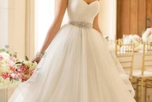 Wedding dress ideas / Dress styles I like