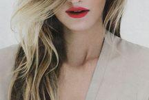Highlight Hair / Look Book - One length hair cuts - Graduated hair cuts - Long layer hair cuts - Short layer hair cuts - Updo's - French twist - Wavy hair - Curly hair - Chignon - Freehand looks