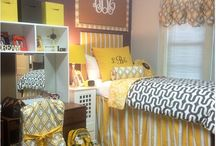 Samford Dorm / Navy, yellow and teal with burlap!  / by Kaitlin Mullen