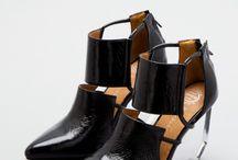 Shoes / by Daniela Yui