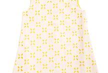 Copacabana -  Epk Primavera 2014 / Un recorrido de piedra blanca y negra que simula un minimalista rio, que sirvió como punto de inspiración de sofisticadas blusas y leggings para las niñas. Para los niños los famosos deportistas que recorren la playa se ven reflejados en camisetas con estampaciones de bicicletas, balones y patinetas en tonos amarillo y verde conformando un grupo alegre y lleno de color. - See more at: http://www.shopepk.com.co/blog/epk-se-inspira-en-brasil-para-su-coleccion-primavera-2014/#sthash.iVHOM5wx.dpuf