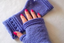 Fingerless knitting gloves