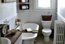French Country / Farmhouse Bathrooms