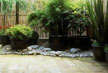 Jardín disimular máquinas aire acondicionado