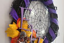 Craft Ideas: Door Wreaths / Door Wreath Ideas for holidays, love door wreaths for Halloween, Christmas, Summer and more! / by MomDot