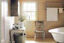 Bathrooms / by Leife Shallcross