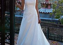 Wedding dresses / by Ashley Fleetwood