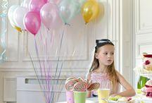 Room / balloon girls