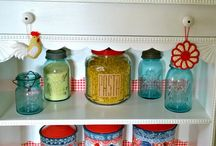 Food Storage and Stockpiling / How to stockpile your pantry for less and the best food storage ideas.