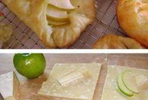 baked apples & brie / by Samuel De la Cruz