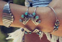 Accessories.  / by Alexandra Schoon