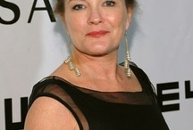 Kate Mulgrew, one of my favourite Dames ;-)
