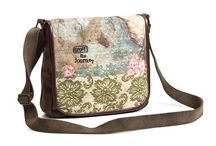 awesome bags and wallets / by Tara Vernier