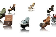 Comfortable pedicure chairs / These pedicure chairs of modern luxurious designs will surely give you the most comfortable experience with spa pedicure.
