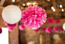 Różowy zawrót głowy / Intensywny róż królem wesel. Mocne kolory, biel połączona z różowym dają kontrast i sprawiają, że wszystkie weselne dodatki i dekoracje nie pozwalają przejść obok nich bez zauważenia.