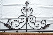 decorative wrought iron to hang tapestry / (100$)i have a really nice decorative wrought iron to hang tapestry,the mesurements are 62 inches wide x 25 inches high,i have a really nice wall tapestry in great condition,the print is house and bridge,the mesurements are 70 inches wide x 48 inches high,i am in brampton area ,ask us what else we have for sale we have a lot,thank youNo Pay Pal