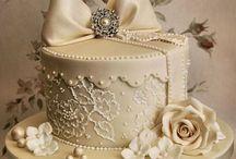 lace hat box cake