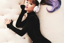 Ariana Grande's Cat Ear Headphone