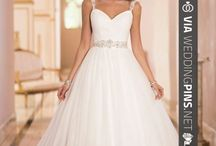 Winter Wedding Dresses 2015 / These winter wedding dresses 2015 style are just around the corner and to die for! If you're like me, I know you're chomping at the bit to see what the top wedding dress designers like vera and elie are doing for 2015! well, here they are!