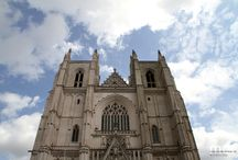 pedres / esglésies, castells,...