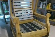 Oreller / Sofàs fets i tapissats artesanalment per Mobles Perpinyà des de 1950.