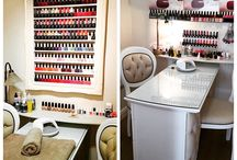 Salon ideas before and after / Just a glimpse of what a difference a Chicybee space saving frame can make to your salon, saving space and adding elegance