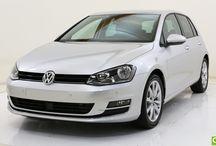 VW Golf VII / Vous recherchez une petite voiture confortable et bien équipée ? Qarson vous présente la VW Golf VII en essence.