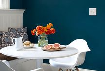 interior/display deep,strongly colored colors