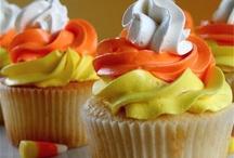 cupcakes / by Jennifer Wolfe