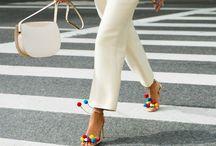 Pompom Sandals / ¿Sabes ya cuáles son las sandalias del verano? http://chezagnes.blogspot.com/2016/07/Pom-pom-sandals.html #shoes #sandals #pompomsandals #shoeporn #zapatos #trends #fashion #moda