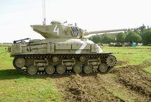 tancuri.