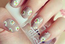 B E A U T Y // Nails / Nail colour & art