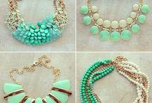 Jewels, shoes, accessories / by Samantha L. Vélez L