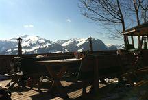Da, wo Rosi´s Alm Spezialitäten herkommen... / Auf 1.200m liegt Rosi´s Sonnbergstuben, umringt von der prachtvollen Kitzbüheler Bergwelt. Von hier kommen die Rosi´s Alm Spezialitäten und Geschenke!