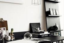 DESK / Con el fin de ser productivo uno  debe tener una hermosa oficina.  · In order to be productive one must have a beautiful office.