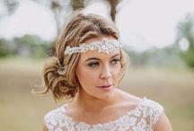wddng - bride / Brautkleid / Brautstrauß / Accesoires / Haare / Make-Up / Schuhe usw.