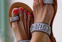 gümüş renkli sandalet