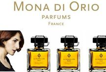 Mona di Orio / Der goldene Schnitt ist der Schlüssel zum Verständnis der Schönheit. Fasziniert und angezogen von dieser ästhetischen Theorie stellte sich Mona di Orio vor, wie sie einige einflussreiche Klassiker der Parfumherstellung wieder aufgreifen könnte. Sie suchte die perfekten Verhältnisse um eine melodiöse Harmonie zu erreichen und benutzte die besten Rohmaterialien, wunderschöne Zutaten.