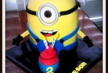 Despicable me. / by Claudia Martins